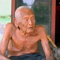 Mbah Gotho, lelaki asal Indonesia yang diklaim jadi manusia tertua di Bumi. (CEN)
