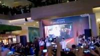Ahok marah lantaran media asing dituduh mempengaruhi sejumlah aktivis anti rokok. Sementara itu, Rio Haryanto disambut ratusan penggemar.