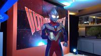 Kehadiran Ultraman Tiga di acara peluncuran Ultra LTE Bolt bukanlah tanpa alasan (Liputan6.com/Mochamad Wahyu Hidayat).