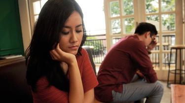 Rasa Bosan Dalam Hubungan Bisa Lebih Mengancam Daripada