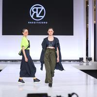 Fashionlink x BLCKVNUE present IN.MIND by Bateeq, Raegitazoro, dan Saul di JFW 2019. (Nurwahyunan/Fimela.com)