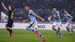 Maurizio Sarri Tertawakan Sanjungan Jurgen Klopp terhadap Juventus