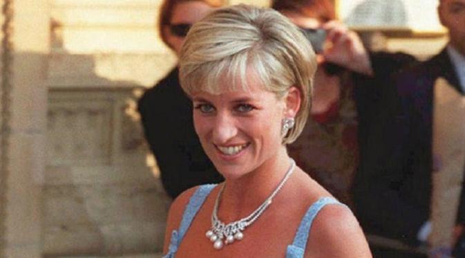 Predikat anggun tak pernah lepas dari sosoknya, namun ternyata Putri Diana juga tamil menggemaskan saat kecil. Penasaran seperti apa? (Foto: AP)