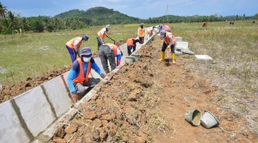 Program Padat Karya Tunai, salah satunya Program Percepatan Peningkatan Tata Guna Air Irigasi (P3TGAI)