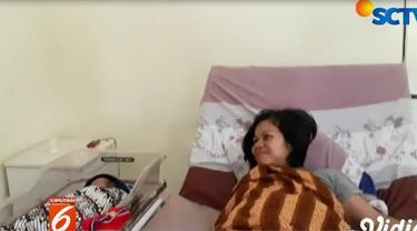 Berkat pertolongan polisi, Rosmayati tiba di Rumah Sakit Bunda, Kota Banjar, tepat waktu dan melahirkan seorang bayi laki-laki dengan selamat melalui operasi sesar.