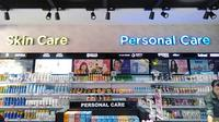 Berbagai produk kecantikan dan perawatan kesehatan bisa ditemukan di sini./Copyright Endah Wijayanti