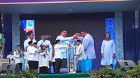 Wali Kota Tangerang Arief R Wismansyah melantik 104 anggota UPT LPTQ. (Liputan6.com/Pramita Tristiawati)