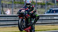 Gaya pembalap Yamaha Tech 3, Johann Zarco usai melakoni tes di Sirkuit Catalunya, Barcelona. (Twitter/Tech 3)