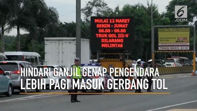 Menghindari genap ganjil banyak pengendara lebih pagi masuk pintu tol Bekasi Barat dan Timur.