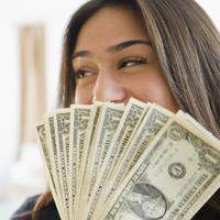 Jangan biarkan uang merusak hubunganmu dengannya. Inilah 10 cara yang bisa kamu andalkan untuk mengatasi masalah tersebut.