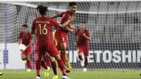 Bek Timnas Indonesia, Alfath Faathier, merayakan gol yang dicetaknya ke gawang Timor Leste pada laga Piala AFF 2018 di SUGBK, Jakarta, Selasa (13/11). Indonesia menang 3-1 atas Timor Leste. (Bola.com/Yoppy Renato)