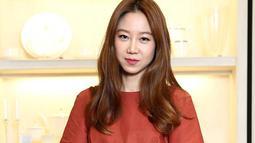 Sudah tak diragukan lagi kemampuan akting dari Gong Hyo Jin. Beberapa kali, ia berhasil membawa pulang piala bergengsi seperti Baeksang Arts Awards. Untuk setiap episode, ia mendapatkan bayaran Rp 453 juta. (foto: Allkpop.com)