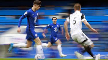 Baru sepuluh menit laga berjalan, berawal dari kontrol bola dan operan brilian Mason Mount, Havertz mampu membawa Chelsea unggul 1-0. (Foto: AFP/Pool/Ian Walton)