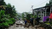 Banjir bandang kembali menerjang kawasan Gunung Mas, Desa Tugu Selatan, Kecamatan Cisarua, Kabupaten Bogor.