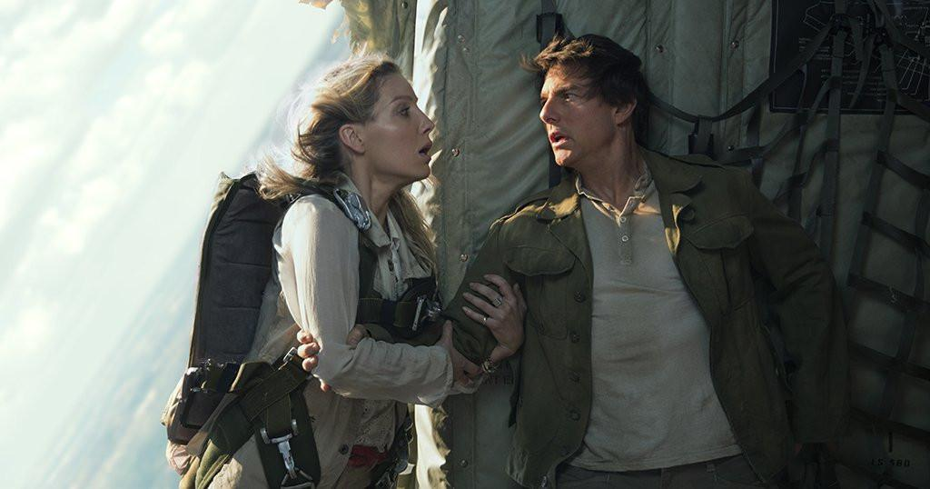Menyaksikan Tom Cruise bangkit dari kematian dalam trailer terbaru The Mummy. (Via: Yahoo