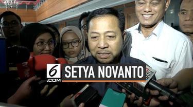 Terpidana kasus korupsi e-KTP yang juga mantan ketua DPR Setya Novanto kini bepenampilan baru. Perubahan penampilan ini didapatnya setelah lama bergaul dengan para terpidana teroris di Lapas Gunung Sindur.
