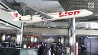 Suasana penjualan tiket pesawat Lion Air di Kantor Pusat Lion Air, Jakarta, Senin (29/10). Jatuhnya pesawat Lion Air dengan rute Jakarta-Pangkal Pinang tidak mempengaruhi penjualan tiket maskapai penerbangan tersebut. (Liputan6.com/Angga Yuniar)