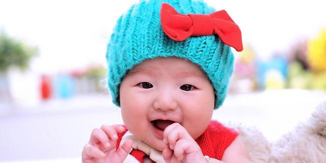 Kapan harus memberikan makanan pendamping asi pada bayi/copyright Shutterstock.com