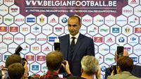 Pelatih asal Spanyol, Roberto Martinez, diperkenalkan sebagai pelatih baru timnas Belgia di Brussels, Belgia, Kamis (4/8/2016). Mantan pelatih Everton itu menggantikan posisi Marc Wilmots yang dipecat usai Piala Eropa 2016. (AP/Virginia Mayo)