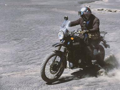 Pemain di sinetron Kepompong ini kini mempunyai hobi mengendari motor gede atau moge. Hobinya membuat dirinya makin terlihat macho. Penampilannya pun juga ikut menyesuaikan dengan hobinya mengendarai moge. (Liputan6.com/IG/@derbyromero)