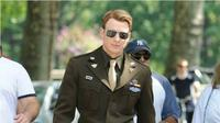 Chris Evans, pemeran Captain America.