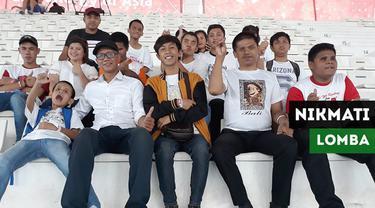 Berita video momen suporter dengan disabilitas netra dari Yayasan Elsafan menikmati lomba renang di Asian Para Games 2018 bersama pendamping pada Senin (8/10/2018).