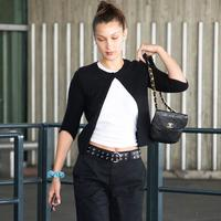 Bella Hadid in Cardigan - Photo: dailymail