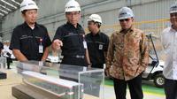 Kepala Staf Kepresidenan Moeldoko meminta PT Inka untuk mulai mewujudkan kereta listrik modern dengan menggunakan baterai. (Dok KSP)