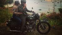Ridwan Kamil bersama istrinya Atalia Praratia di kawasan Geopark Ciletuh Pelabuhanratu (dok. Instagram @ridwankamil/https://www.instagram.com/p/Bw52GjOgqWH/Fairuz Fildzah)