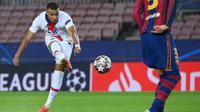 Dikenal kecepatan langkahnya yang khas dan penyelesaian yang menakjubkan, Mbappe itu membenamkan Barcelona dengan hattrick yang menakjubkan di Camp Nou. (Foto: AFP/LLuis Gene)