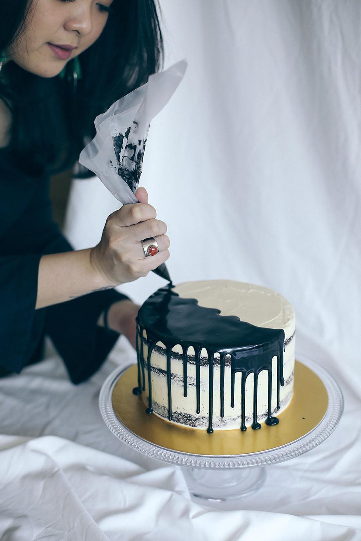 Berhiaskan Bunga Segar Cake Ini Lebih Mirip Karya Seni