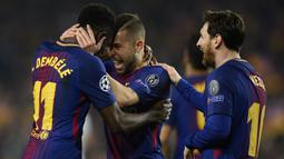1. Barcelona - Lolos ke babak perempat final setelah menang agregat 4-1 atas Chelsea. (AFP/Josep Lago)