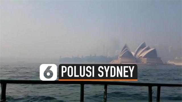 Kualitas udara di kota Sydney, Australia semakin memburuk pasca adanya polusi udara akibat kabut asap dan debu. Kualitas udara Sydney bahkan lebih buruk dibandingkan Beijing.