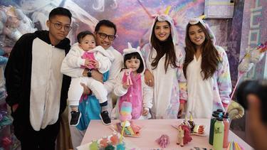 [Bintang] Bikin Kagum, Ini 8 Foto Kekompakan Keluarga Anang dan Ashanty