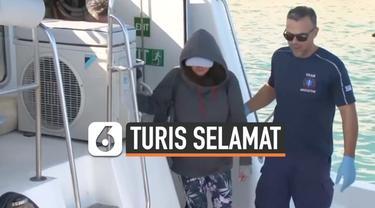 Seorang turis asal Selandia Baru bernama Kushila Stein terombang-ambing di lautan selama dua hari. Ia bertahan hidup dengan mengkonsumsi manisan.