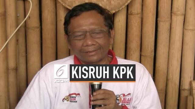 Mantan ketua MK Mahfud MD menjelaskan tanggapannya terkait revisi UU KPK. Mahfud juga mengimbau Presiden segera memanggil pimpinan KPK untuk berkonsultasi terkait revisi UU KPK.