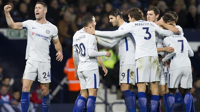 Eden Hazard Optimistis Chelsea Bakal Salip Manchester City Bola