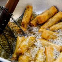 Benarkah makan gorengan bisa bikin batuk? (Sumber Foto: Food NDTV)
