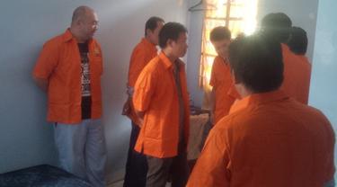 Tujuh WNA China Ilegal Diamankan Petugas Imigrasi Kelas 1 Palembang