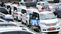 Pemkab Purwakarta menyediakan tambahan 100 unit ambulans untuk meningkatkan pelayanan kesehatan kepada masyarakat. (Liputan6.com/Abramena)