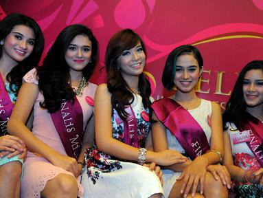 20 besar finalis siap memperebutkan gelar Miss Celebrity Indonesia 2014, Jakarta, (16/10/14). (Liputan6.com/Faisal R Syam)