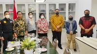 Penyidik Polda Riau bertemu dengan Menteri Siti Nurbaya membahas pengusutan sampah di Pekanbaru. (Liputan6.com/M Syukur)