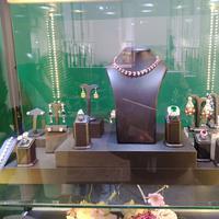 Phillips hadir di Art Jakarta 2019 sebagai rumah lelang yang memamerkan jam tangan mewah dan perhiasan berkelas (Foto: Vinsensia Dianawanti)