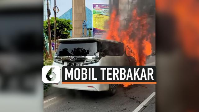 TV Mobil Terbakar
