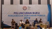 KPI Luncurkan buku tentang pengawasan penyiaran Pemilu 2019. (Ika Defianti/Liputan6.com)