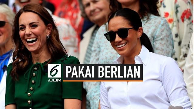 Seorang ahli etiket kerajaan mengungkapkan bahwa Kate Middleton dan Meghan Markle tidak boleh menggunakan berlian pada siang hari. Hal ini karena tidak ingin keluarga kerajaan dianggap terlalu mencolok.