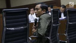 Staf khusus Menteri Agama, Gugus Joko Waskito saat memberi keterangan sebagai saksi pada sidang lanjutan dugaan suap seleksi pengisian jabatan di Kemenag dengan terdakwa Haris Hasanuddin dan M Muafad Wirahadi di Pengadilan Tipikor, Jakarta, Rabu (10/7/2019). (Liputan6.com/Helmi Fithriansyah)