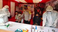 Posko pemeriksaan rapid test antigen Covid-19 di Rest Area KM 13,5 Tol Jakarta-Merak. (Liputan6.com/Pramita Tristiawati)