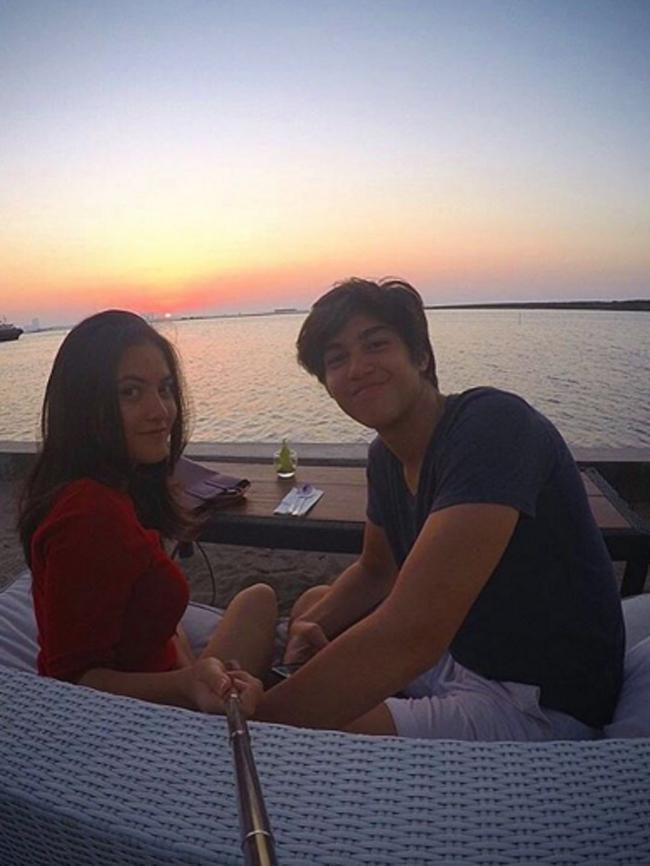 Kedekatan hubungan mereka pun terjadi  ketika mereka  hadir ke acara pernikahan selebriti Nuri Maulida.  (via instagram@elelrumi/Bintang.com)