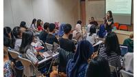 Maia Estianty saat menjadi dosen tamu di Universitas Indonesia  (Dok.Instagram/@maiaestiantyreal/https://www.instagram.com/p/Bqw8CV6lgqM/Komarudin)